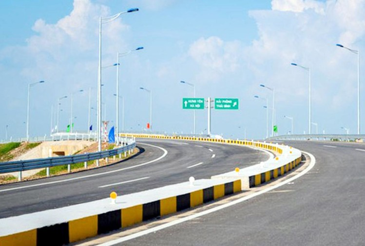 Lucknow-Kanpur-Express-Way-File-Image-Amar-Ujala.jpeg
