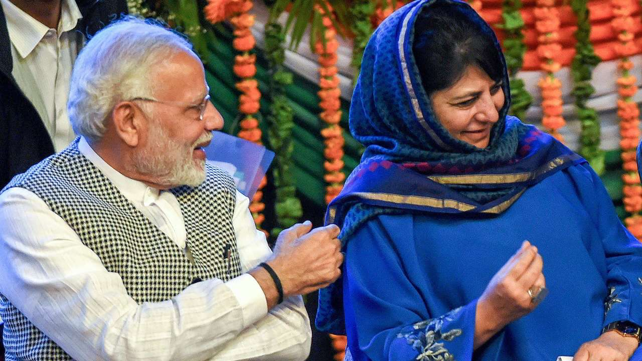 PM-Modi-With-Mehbooba-Mufti.png
