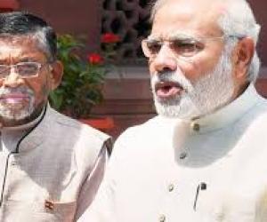 Gangwar-and-PM-Modi.jpg