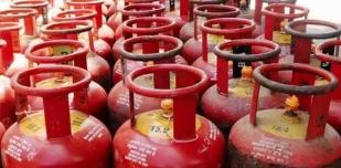 LPG सिलेंडर फिर हुआ महंगा महीने के पहले दिन महंगाई का झटका