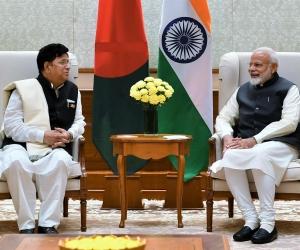 PM-Modi-with-A.K.-Abdul-Momen-File.jpg