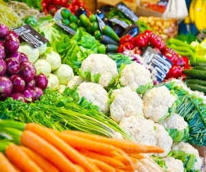 sabji-market-buzzing-file-image.jpg